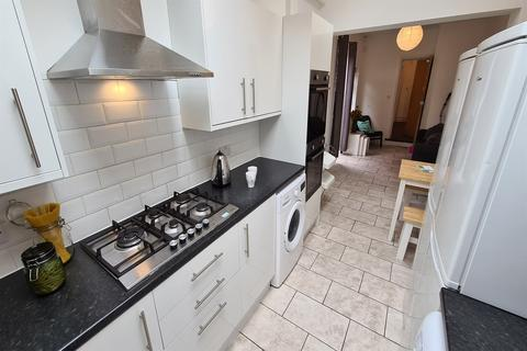 6 bedroom house to rent - Cawdor Road, Fallowfield, Manchester, M14
