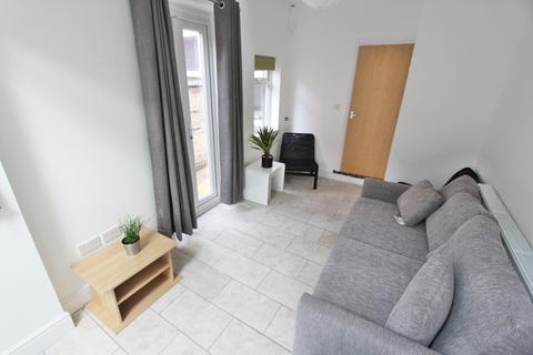 5 bedroom house to rent - Cawdor Road, Fallowfield, Manchester, M14