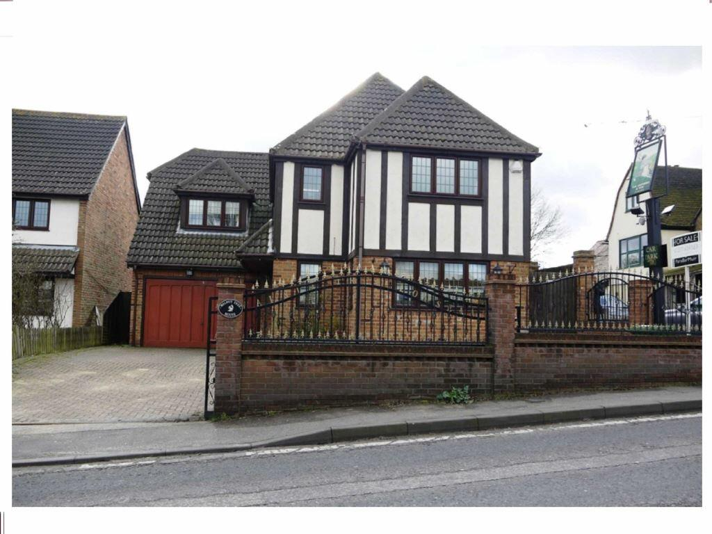 5 Bedrooms Detached House for sale in London Road, Crays Hill, Billericay, Essex, CM11 2XY