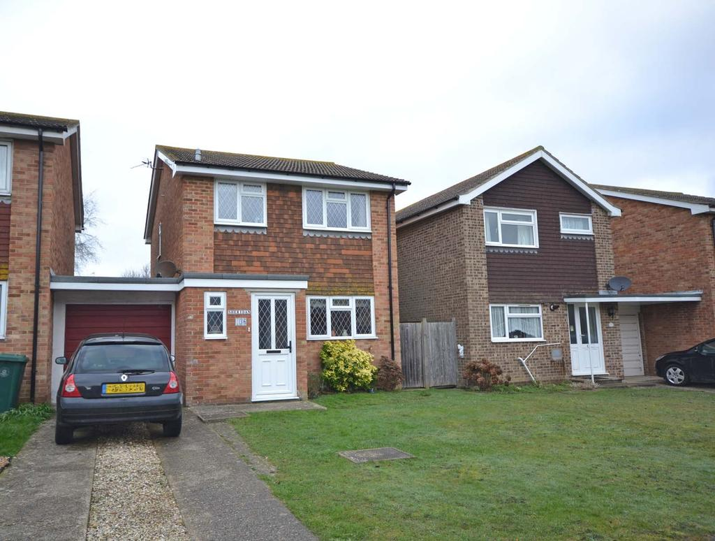 3 Bedrooms Detached House for sale in Gainsborough Drive, Selsey, PO20