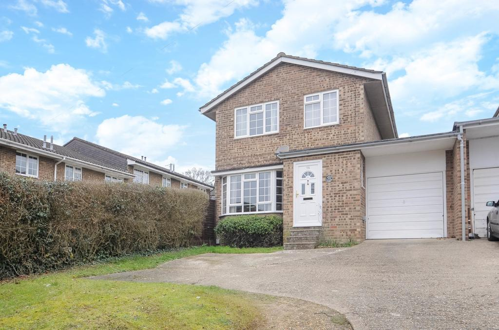 3 Bedrooms Detached House for sale in Frogmore Lane, Lovedean, PO8