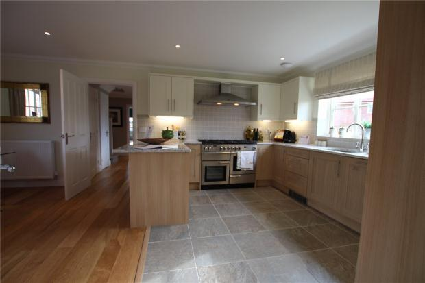 5 Bedrooms Detached House for sale in Long Lane, Stoke Holy Cross, Norwich, Norfolk