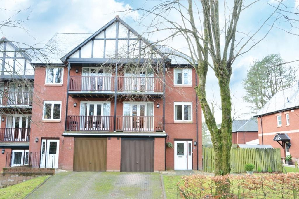 4 Bedrooms Town House for sale in 2 Laurel Way, Kilmacolm, PA11 3NH