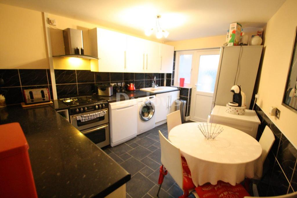 2 Bedrooms Terraced House for sale in High Street, Blaina, Gwent