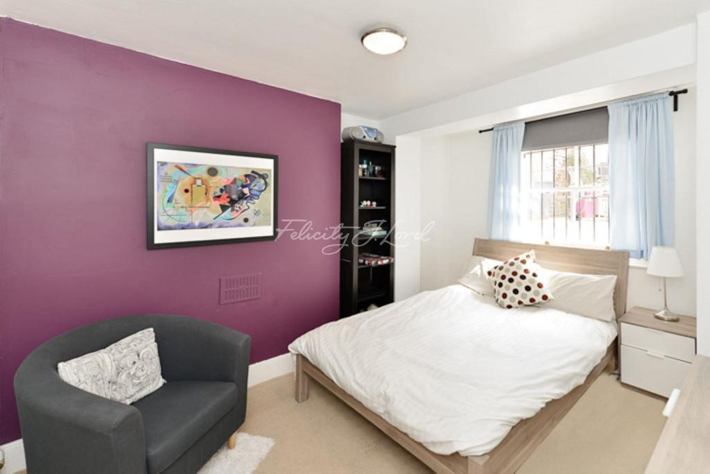 2 Bedrooms Flat for sale in East India Dock Road, E14