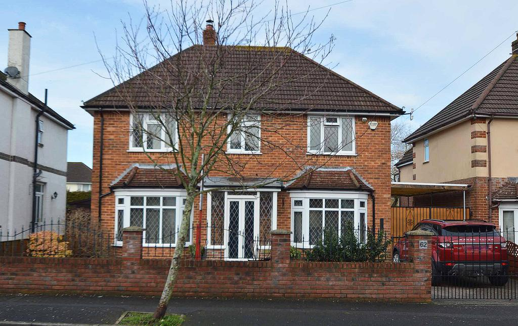 3 Bedrooms Detached House for sale in Durrington Road, Boscombe East, Bournemouth, BH7