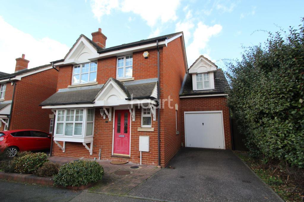 4 Bedrooms Detached House for sale in Stalham Way, Barkingside