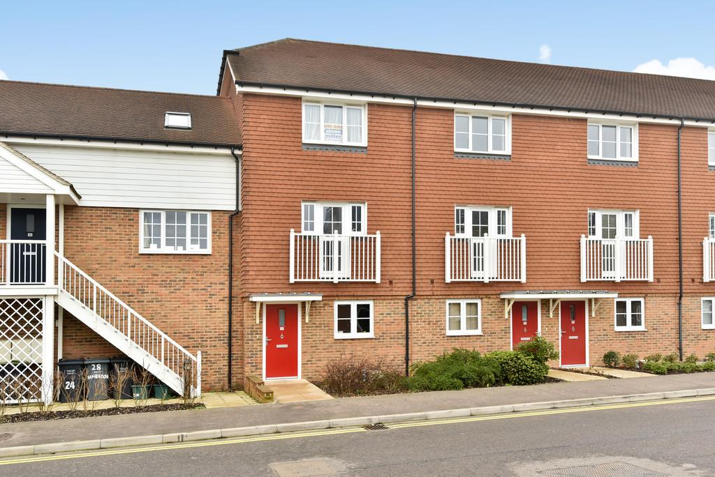 4 Bedrooms End Of Terrace House for sale in Hambrook Road, Snodland