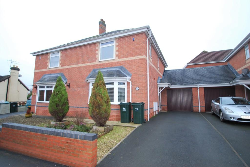 3 Bedrooms Semi Detached House for sale in Yates Hay Road, Malvern Link