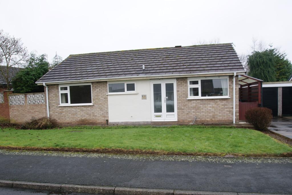 2 Bedrooms Detached Bungalow for sale in Westfield Road, Tickhill