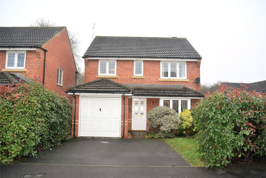 3 Bedrooms Detached House for sale in Kestrels Mead, Tadley, Hampshire, RG26