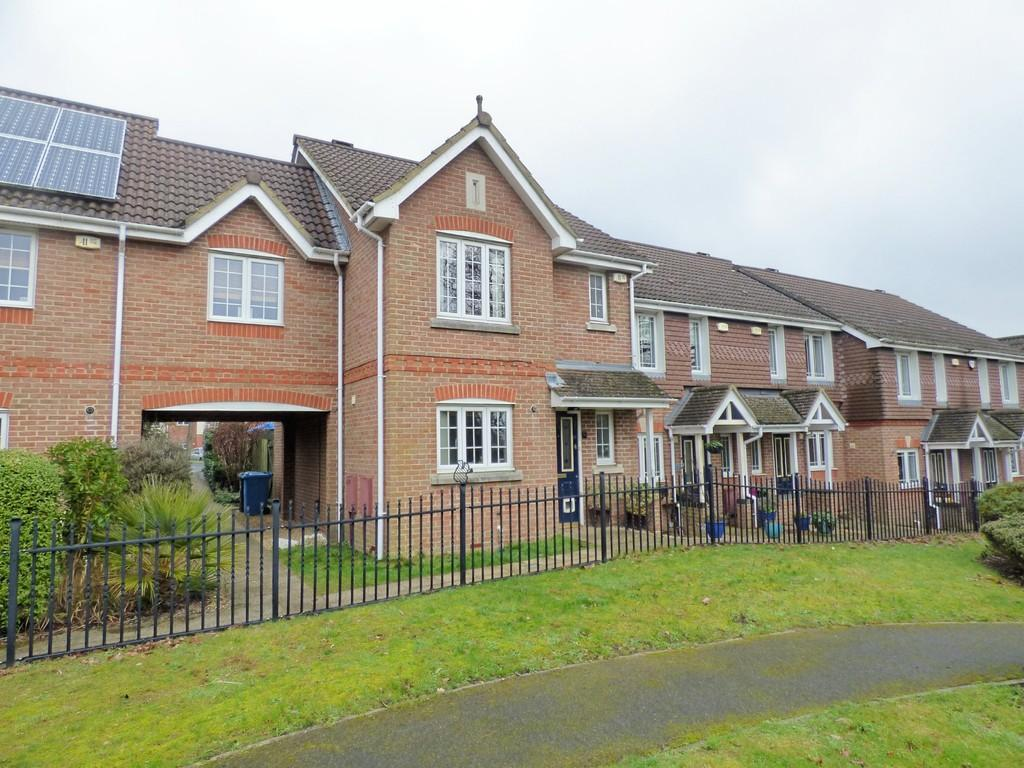 3 Bedrooms Terraced House for sale in Branksome, Poole