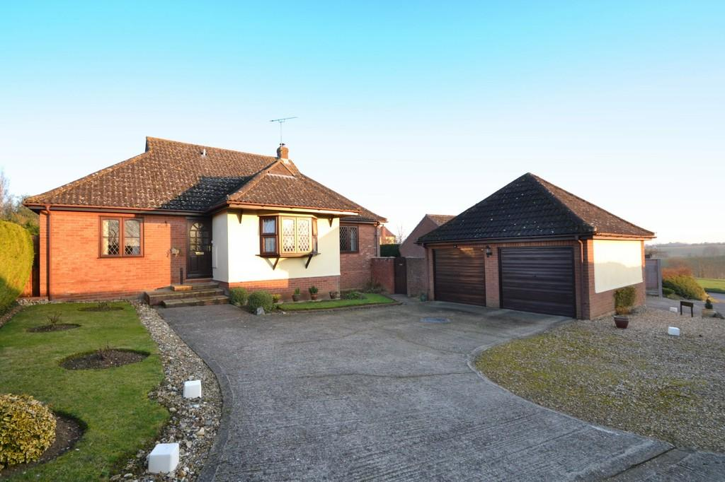 3 Bedrooms Detached Bungalow for sale in Lower Farm Road, Ringshall, Stowmarket, Suffolk