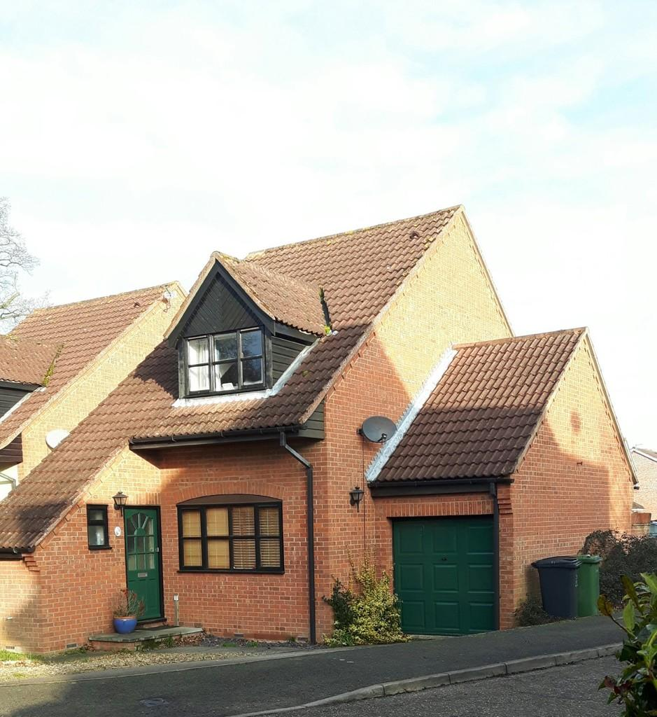 3 Bedrooms Detached House for sale in Rayners Way, Mattishall