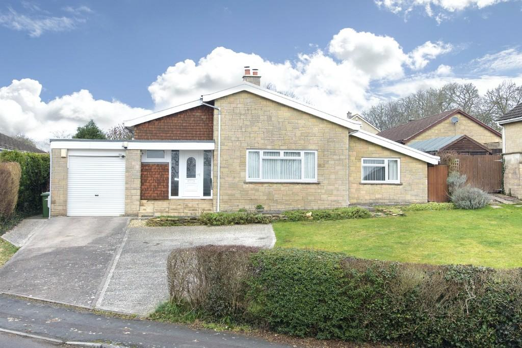 3 Bedrooms Detached Bungalow for sale in Packsaddle Way, Frome