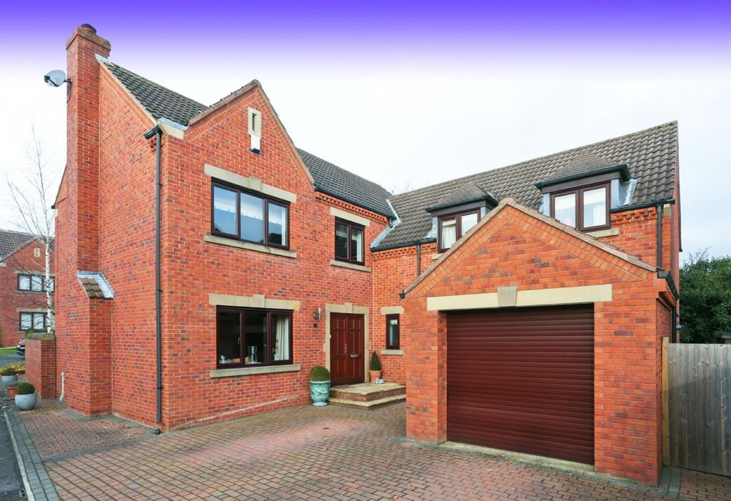4 Bedrooms Detached House for sale in Calderstone Court, Middlestown