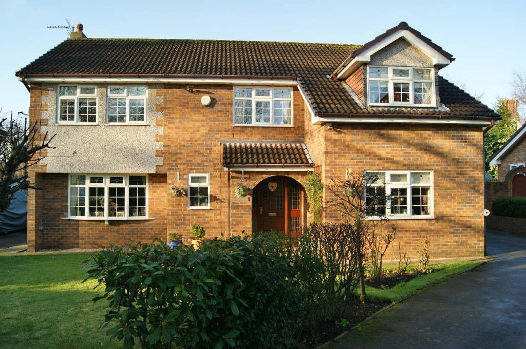 4 Bedrooms Detached House for sale in Holly Walks, Wrexham