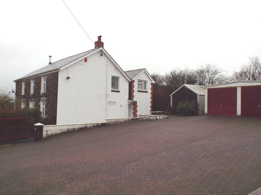 5 Bedrooms Detached House for sale in Llandeilo Road, Gorslas, Gorslas, Carmarthenshire