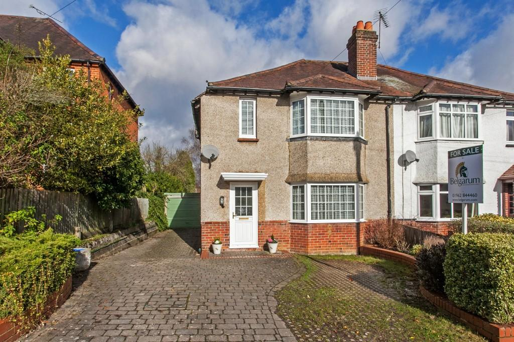 3 Bedrooms Semi Detached House for sale in Milverton Road, Winchester, SO22
