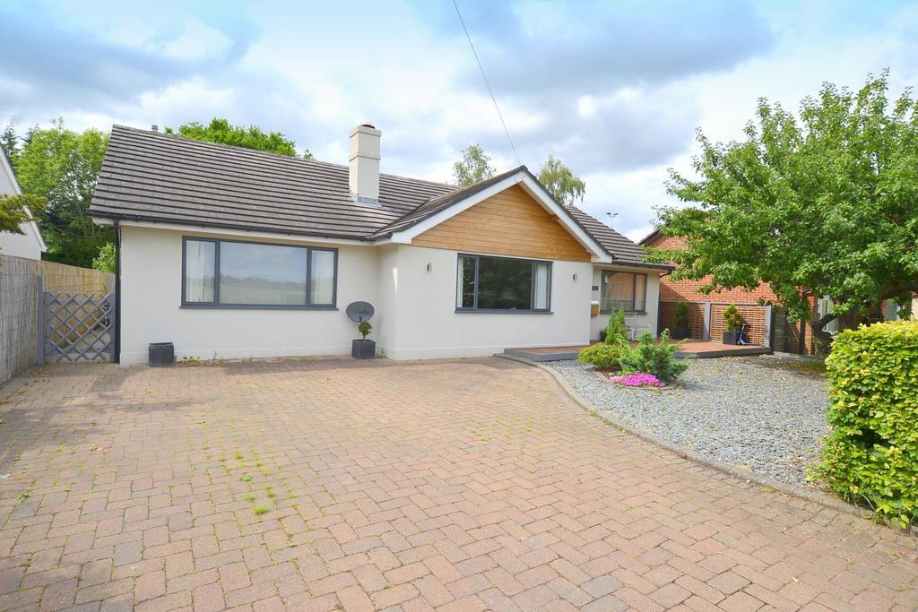 3 Bedrooms Detached Bungalow for sale in Effingham Junction