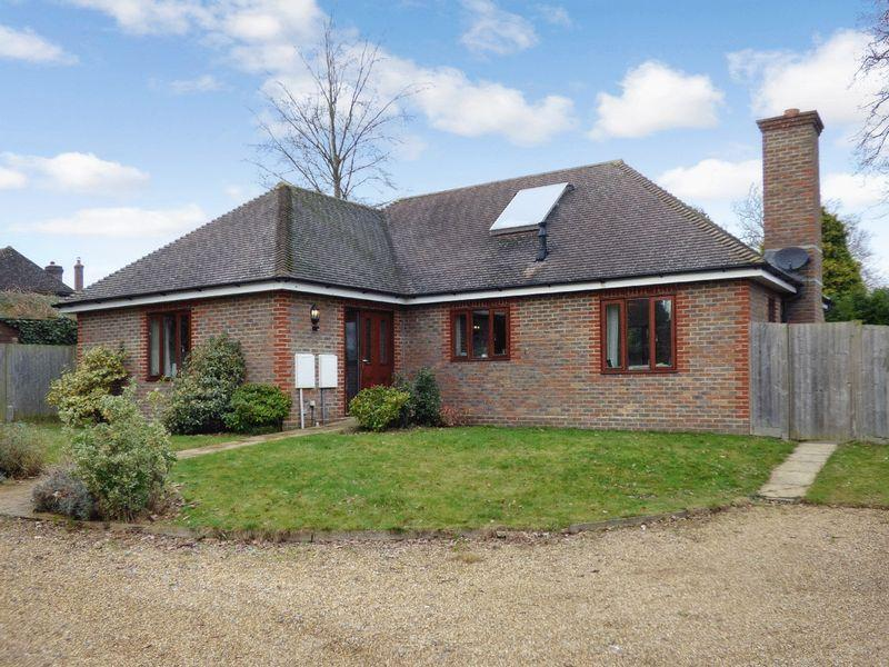 3 Bedrooms Detached Bungalow for sale in Off Allington Road, Newick