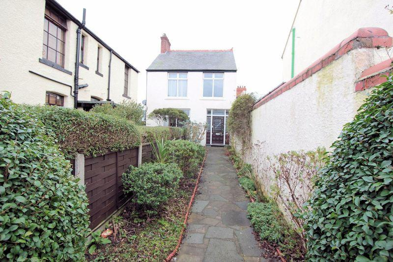 4 Bedrooms Detached House for sale in Victoria Road, Prestatyn