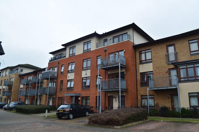 2 Bedrooms Apartment Flat for sale in Atlas Crescent, Edgware