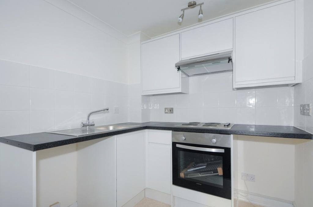 1 Bedroom Flat for sale in Lower Rock Gardens Brighton BN2