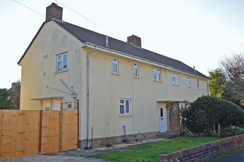 3 Bedrooms Semi Detached House for sale in Cul de sac position in Clevedon