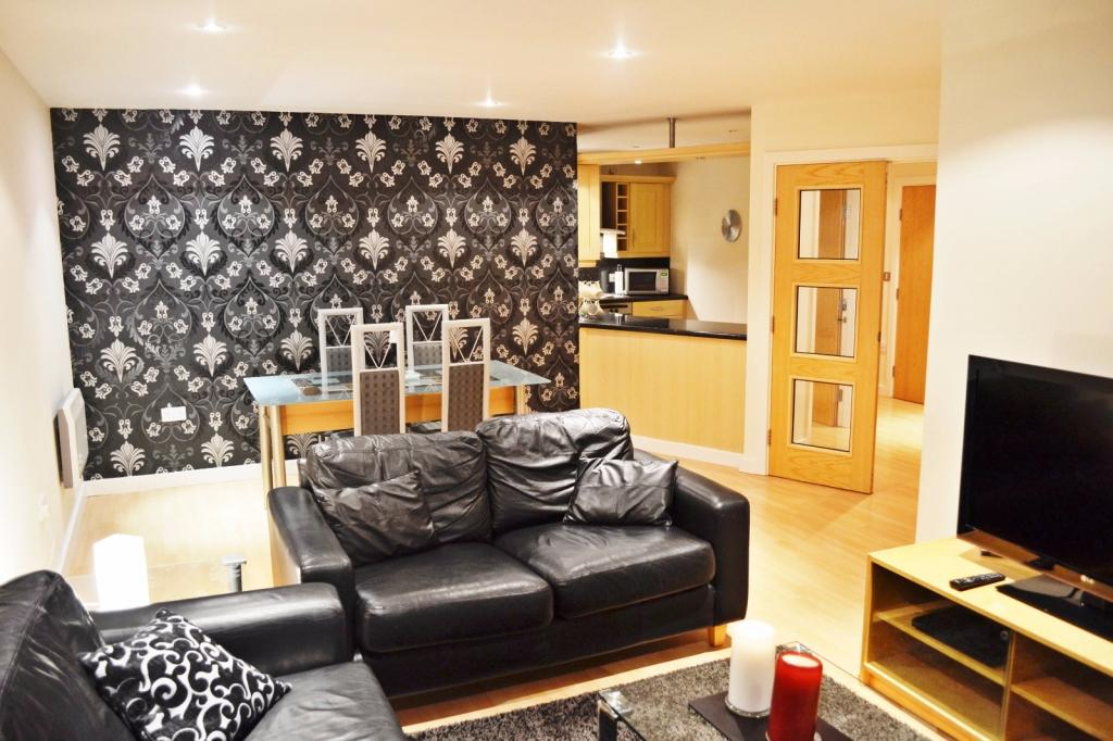 2 Bedrooms Apartment Flat for sale in Imperial Point, The Quays, Salford Quays, Salford, M50