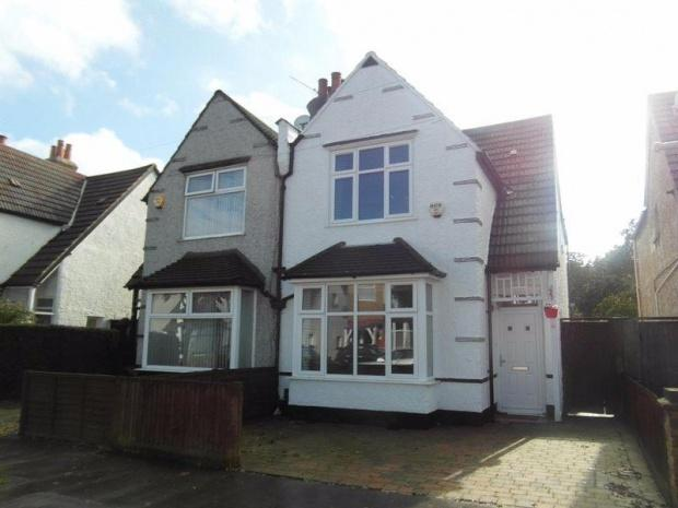 3 Bedrooms Semi Detached House for sale in Meadvale Road, Croydon, CR0