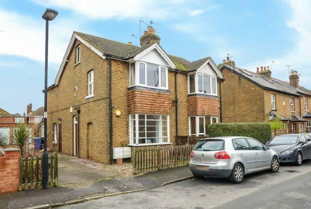 1 Bedroom Flat for sale in Alma Road, Eton Wick