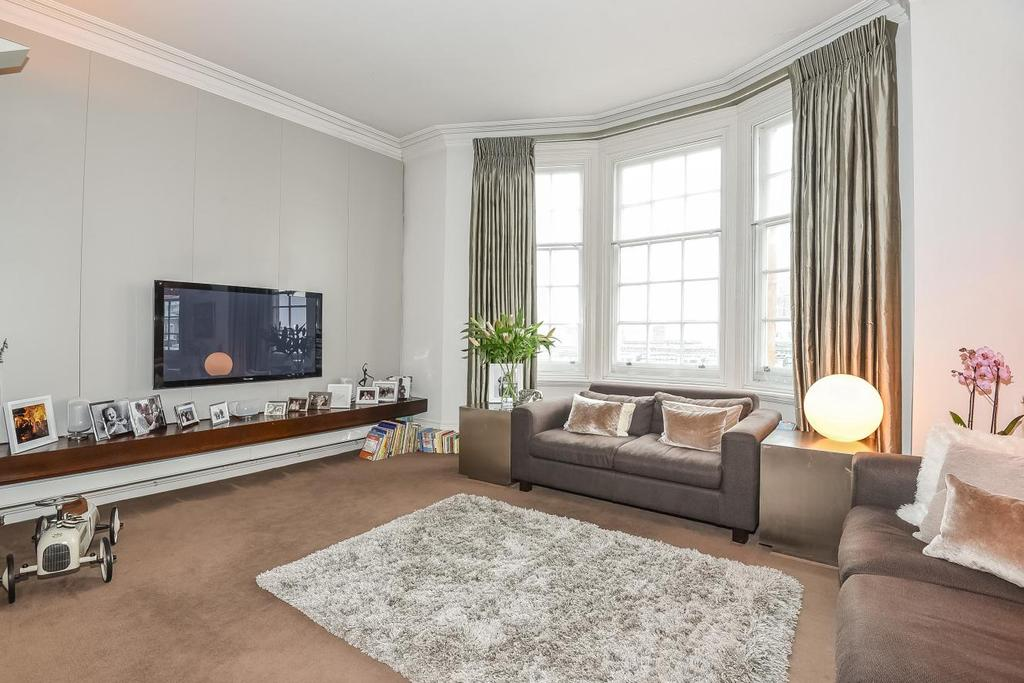 2 Bedrooms Flat for sale in Cromwell Crescent, London