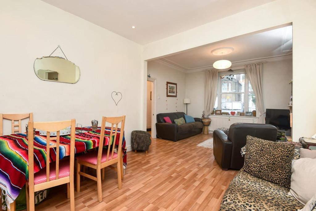 3 Bedrooms Terraced House for sale in Stanhope Road, North Finchley, N12