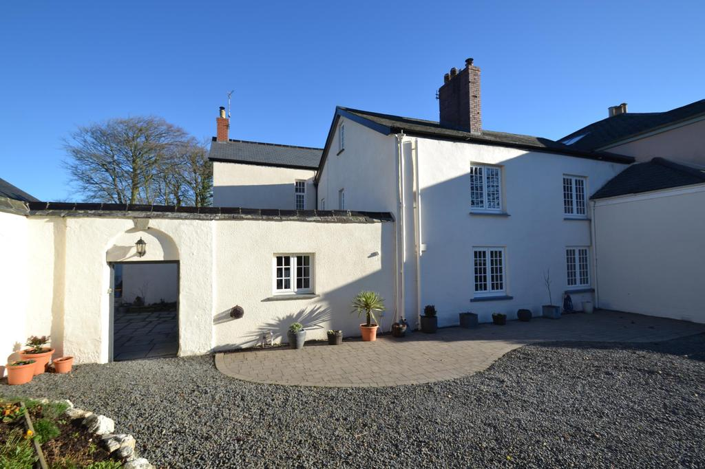 5 Bedrooms Semi Detached House for sale in Shirwell, Barnstaple
