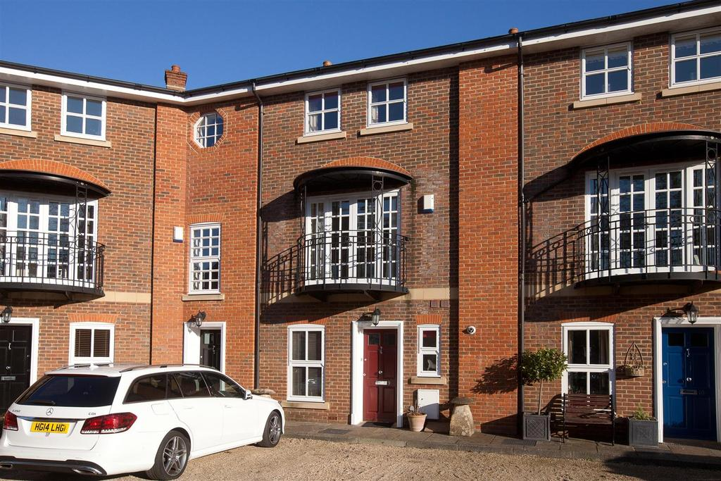 4 Bedrooms House for sale in Stroud Place, Salisbury