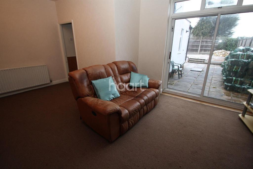 1 Bedroom Flat for sale in The Crescent, Wigston