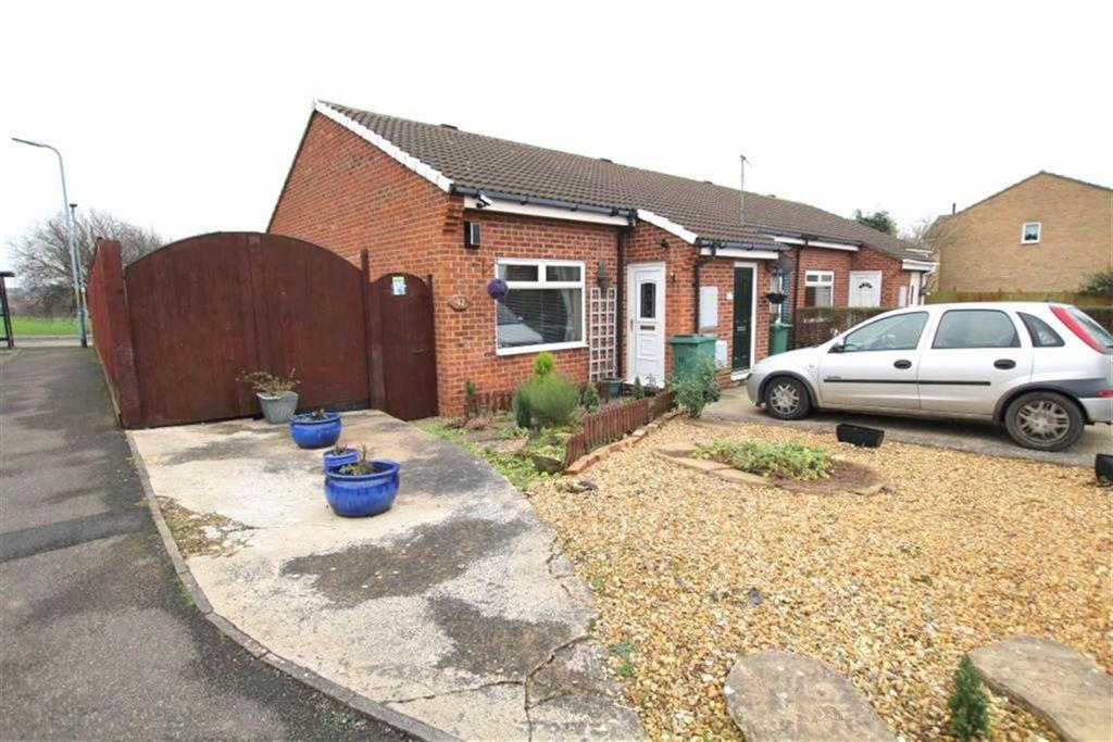 2 Bedrooms Terraced Bungalow for sale in Coulson Close, Yarm, Cleveland