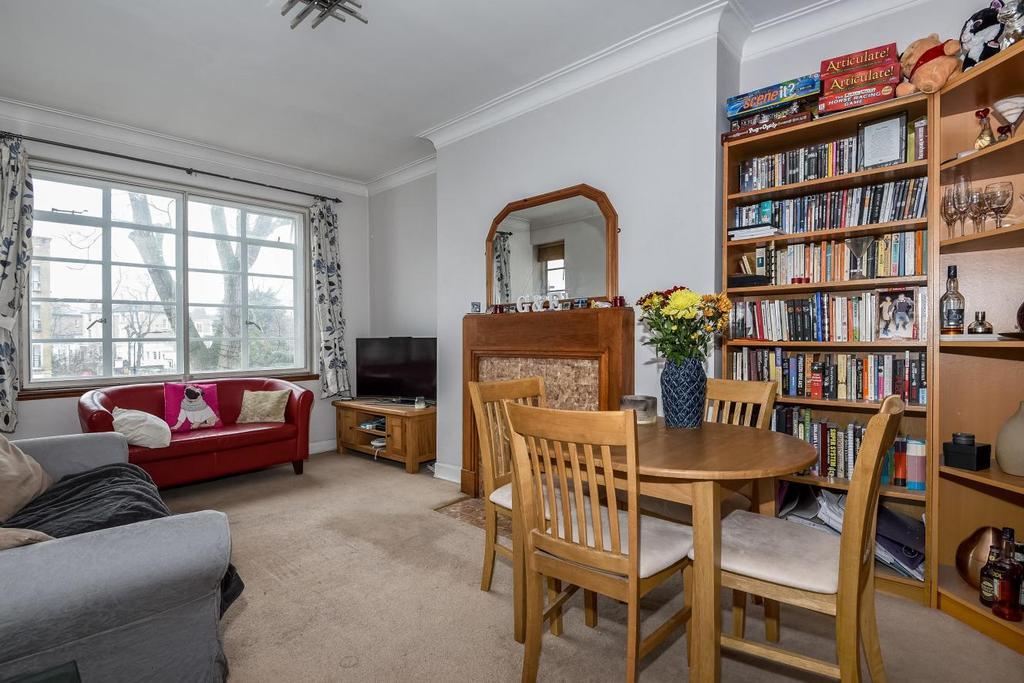 1 Bedroom Flat for sale in Haverstock Hill, Belsize Park, NW3