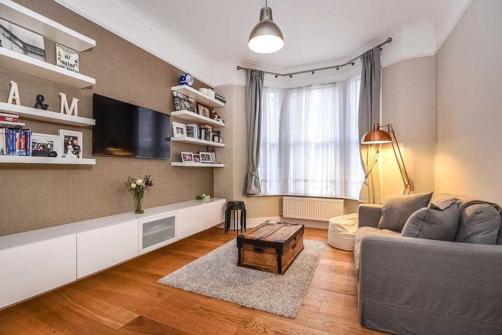1 Bedroom Flat for sale in Annandale Road, Chiswick, W4