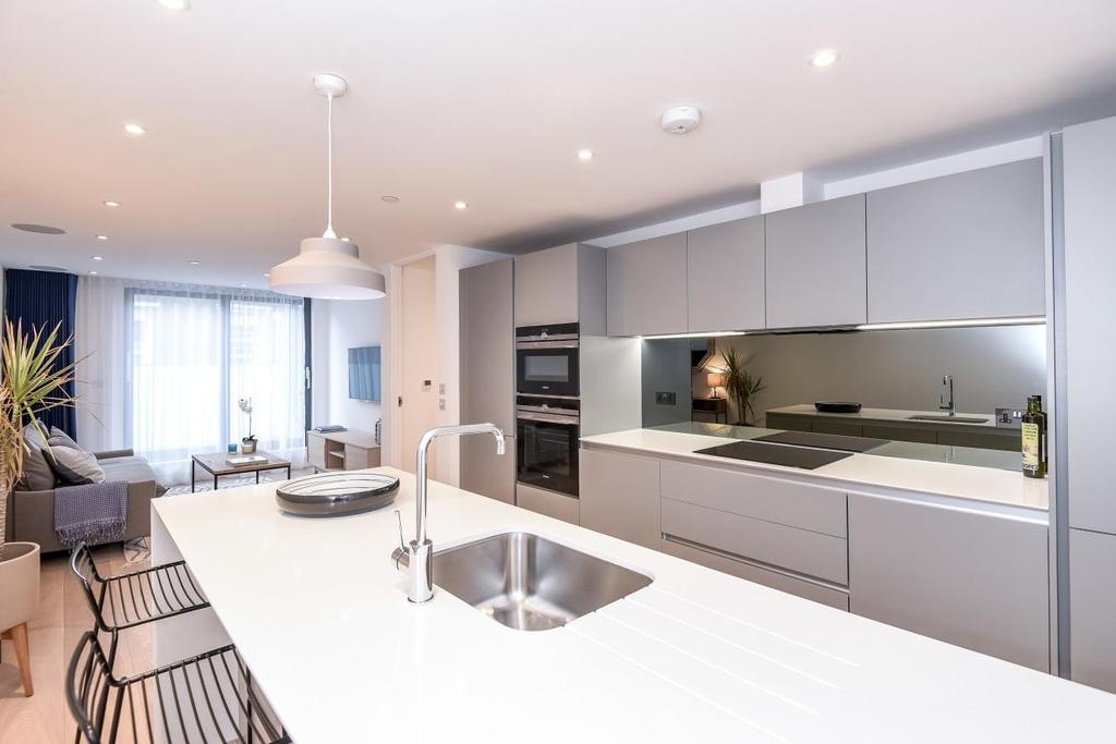 1 Bedroom Flat for sale in North End Road, Fulham, SW6