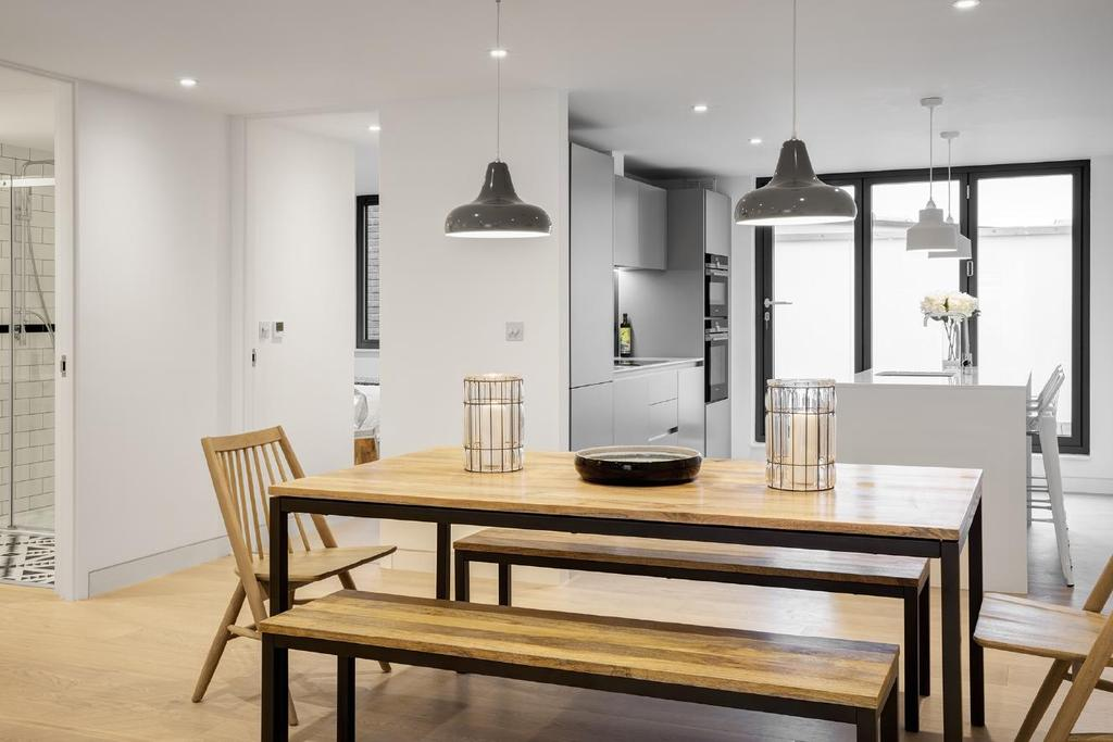 2 Bedrooms Flat for sale in North End Road, Fulham