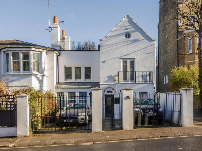 5 Bedrooms Semi Detached House for sale in Crouch Hill, N8
