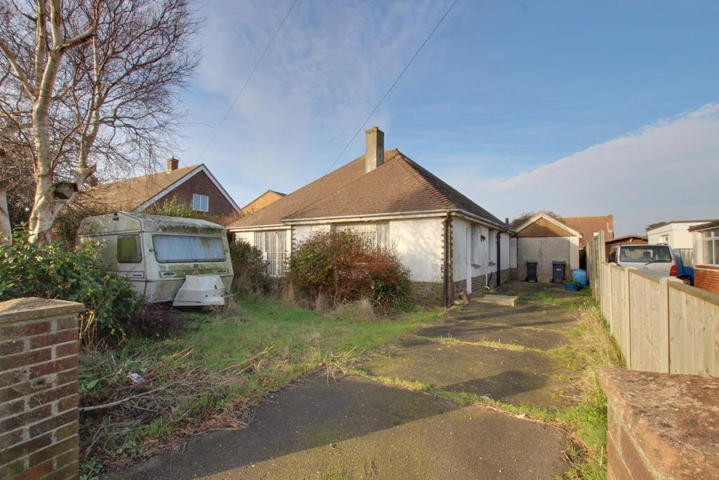 3 Bedrooms Detached Bungalow for sale in Hayling Island