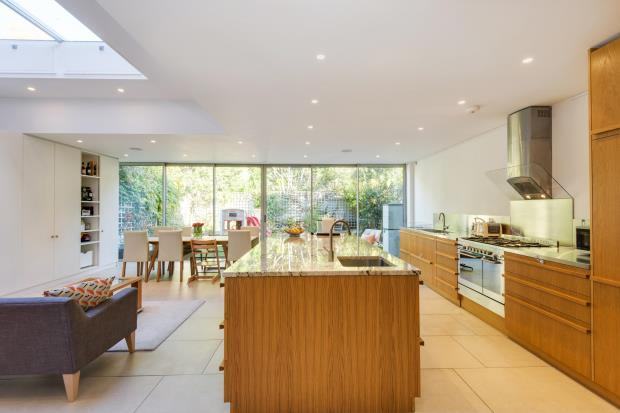 5 Bedrooms Terraced House for sale in Highgate Hill, Highgate Village, London, N6
