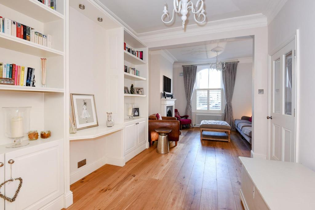 4 Bedrooms Terraced House for sale in New Road, Crouch End, N8