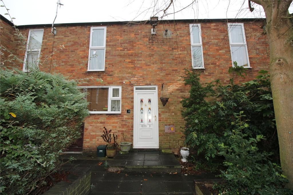 3 Bedrooms Terraced House for sale in Crosse Courts, Laindon, Essex, SS15