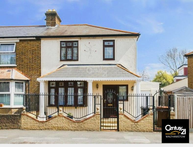 3 Bedrooms Terraced House for sale in Lyne Crescent E17, End of Terrace