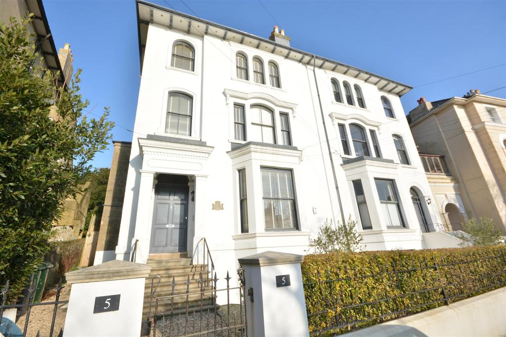 6 Bedrooms Semi Detached House for sale in The Mount, St. Leonards-On-Sea