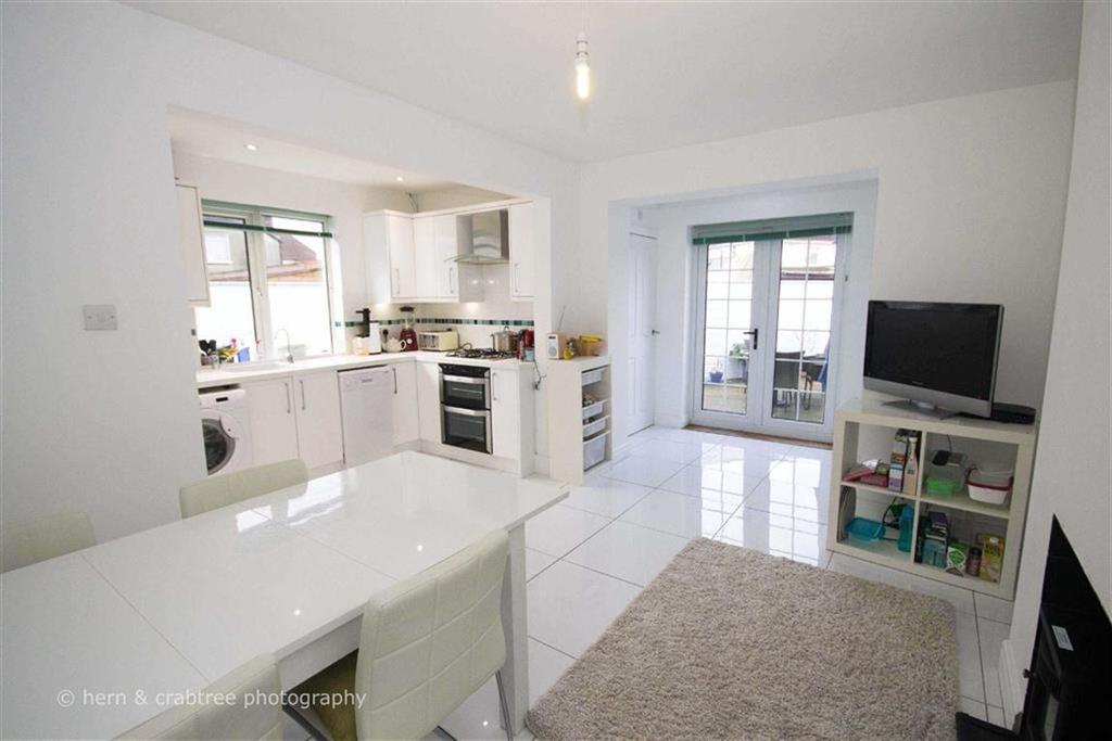 3 Bedrooms Semi Detached House for sale in Fairwater Grove East, Llandaff, Cardiff